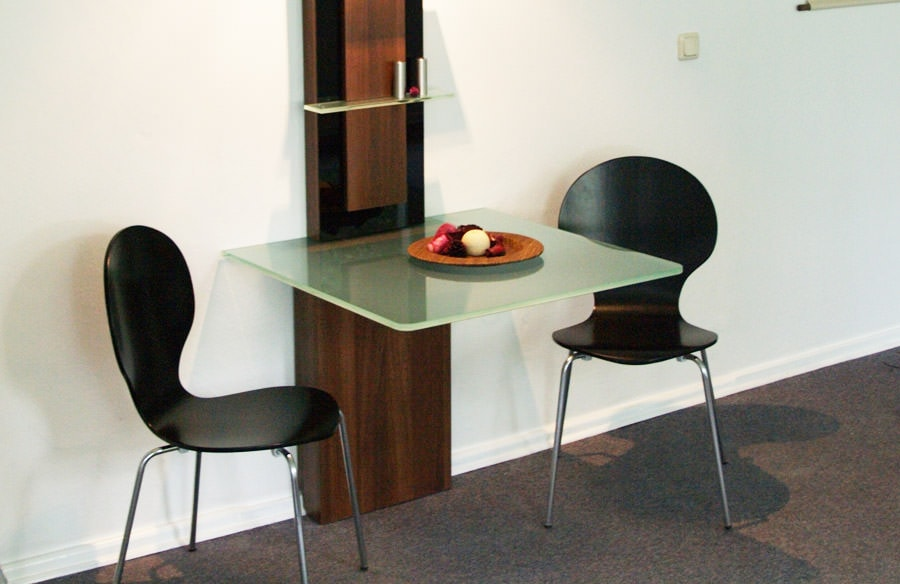 holztisch mit alu fb tischlerei design. Black Bedroom Furniture Sets. Home Design Ideas